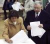 Jadwiga Kaczyńska i Jarosław głosują w wyborach