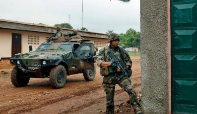 Francuscy żołnierze na patrolu w Republice Środkowoafrykańskiej