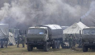 Rosyjskie wojska w miejscowosci Pieriewalnoje
