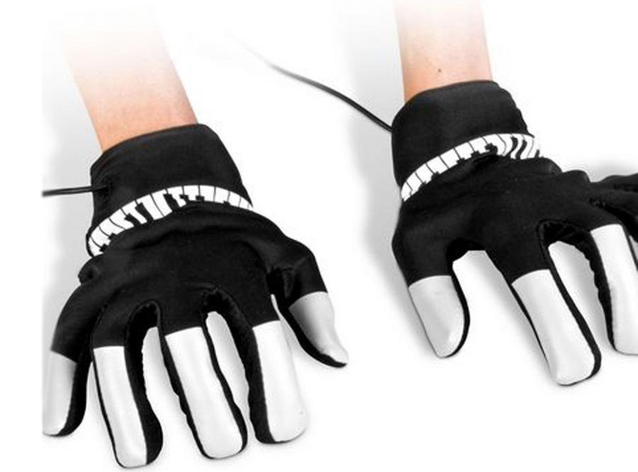 Muzyczne rękawiczki pozwolą grać bez pianina