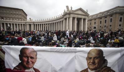 Wierni w Watykanie na uroczystości kanonizacji Jana Pawła II i Jana XXIII