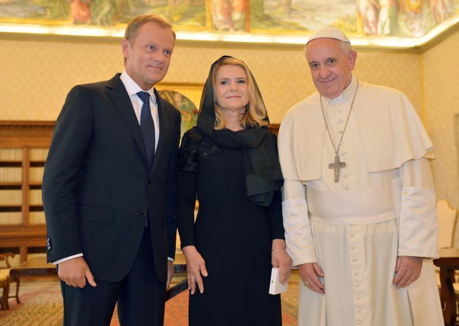 Premier Donald Tusk z żoną Małgorzatą podczas prywatnej audiencji u papieża Franciszka