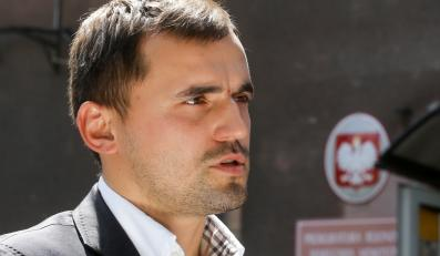 Pełnomocnik pacjentki, Marcin Dubieniecki rozmawia z dziennikarzami