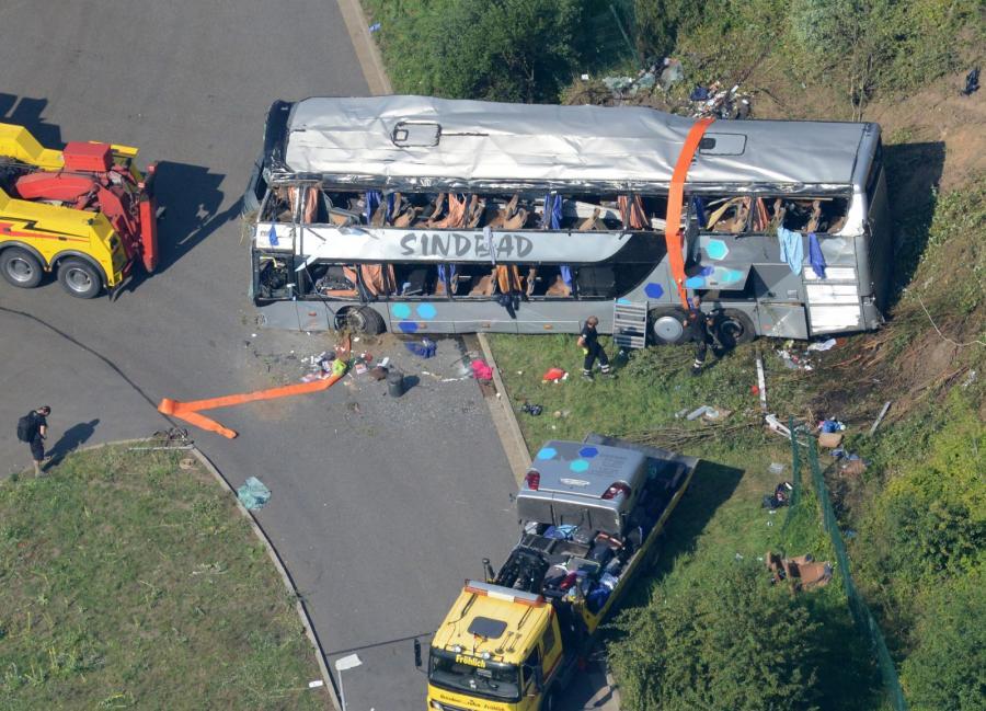 wypadek Niemcy autobus mikrobus Polacy