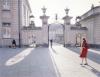 Pałac Potockich przy ulicy Krakowskie Przedmieście w Warszawie Data: lata 1960 - 1965 Miejsce: Warszawa Opis obrazu: Jedna z bram pałacu. Autor: Siemaszko Zbyszko