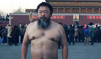 """""""Podejrzany Ai Weiwei"""" – portret artysty nieposkromionego"""