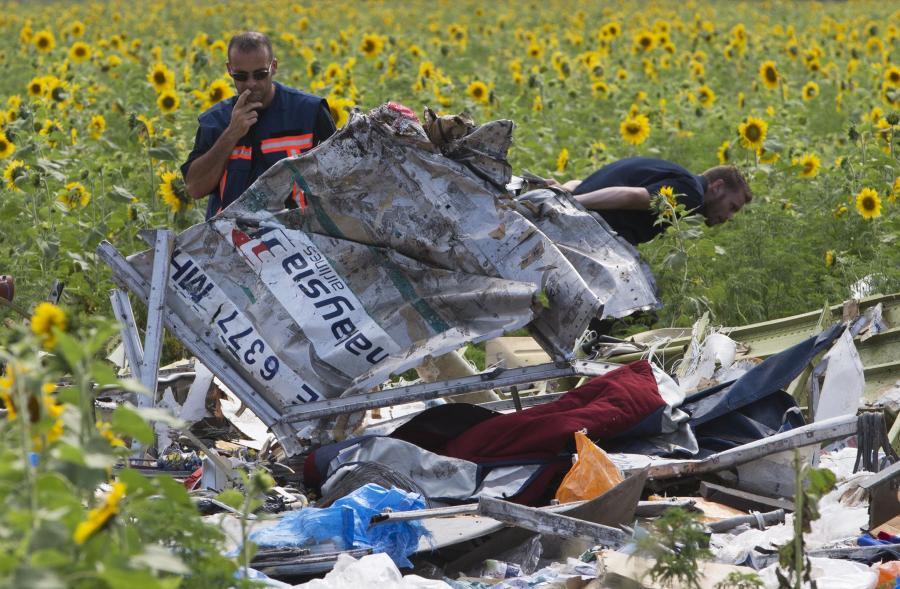 Holenderscy eksperci na miejscu katastrofy boeinga 777 linii Malaysian Airlines na Ukrainie