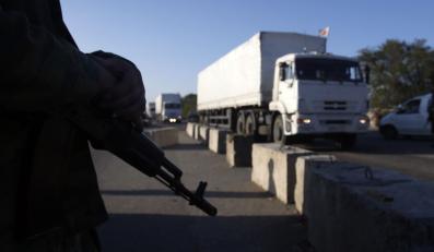 """""""Biały konwój"""" wjeżdża na Ukrainę"""