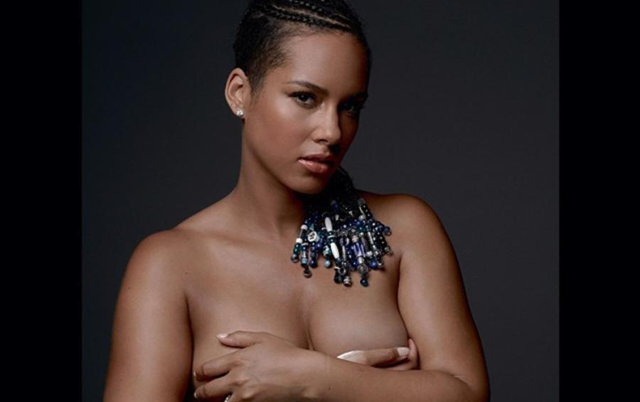 Alicia Keys naga w ramach akcji \