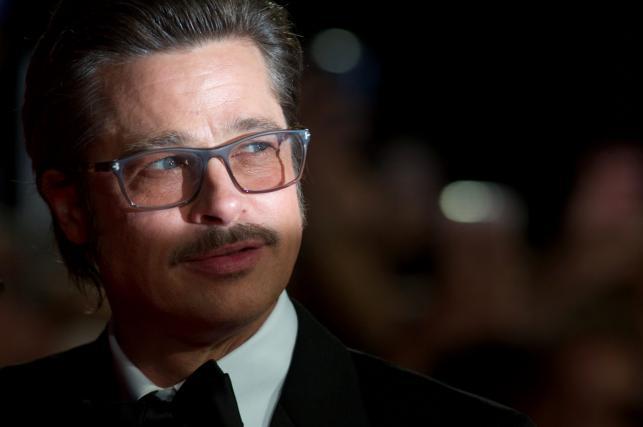 """Brad Pitt na europejskiej premierze filmu """"Furia"""", która zakończyła 58. London Film Festival"""