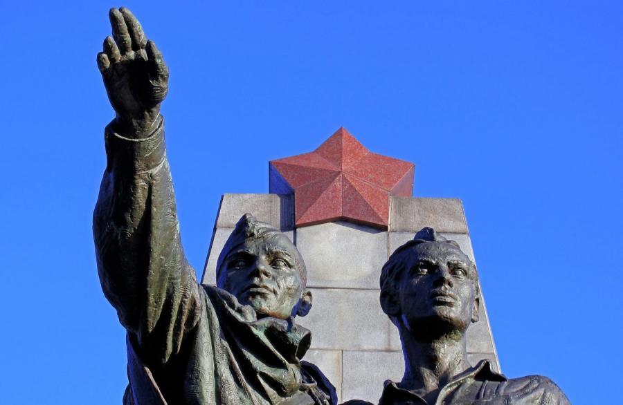 Pomnik żołnierzy radzieckich - zdjęcie ilustracyjne