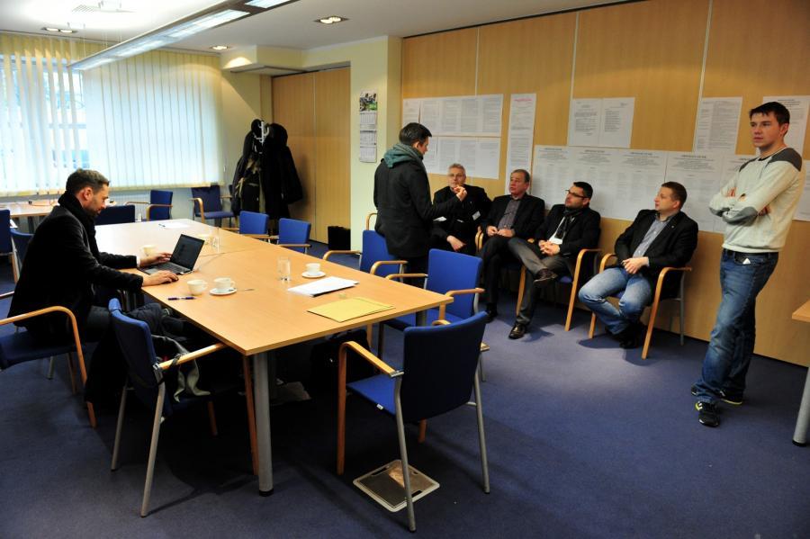 Członkowie wojewódzkiej komisji wyborczej w Szczecinie