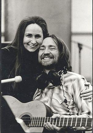 Willie Nelson i jego siostra Bobbie na zdjęciu z lat 70-tych