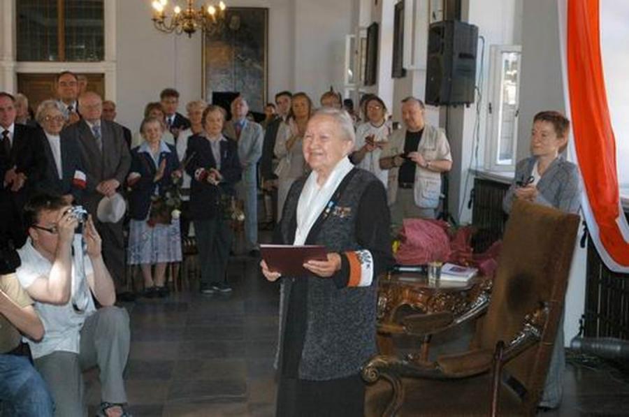 Elżbieta Zawacka w 2006 roku (fot. aut. Kancelaria Prezydenta RP; prezydent.pl)
