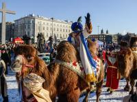 Ulicami Warszawy przeszedł Orszak Trzech Króli. ZDJĘCIA