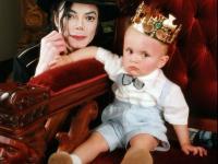 Justin Bieber zrobi z syna Michaela Jacksona gwiazdę muzyki? [ZDJĘCIA]