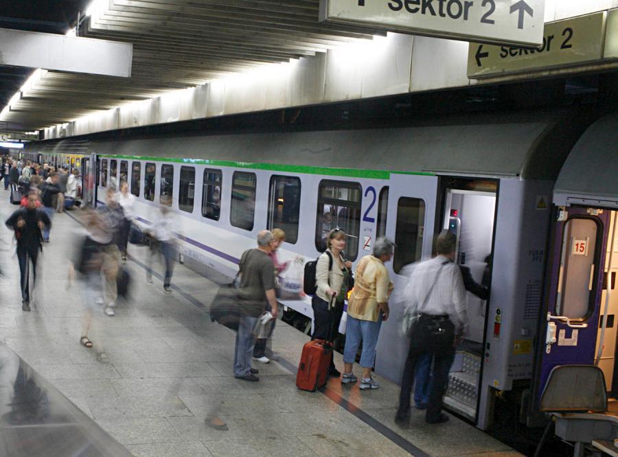 PiS chce wygodnych pociągów dla seniorów