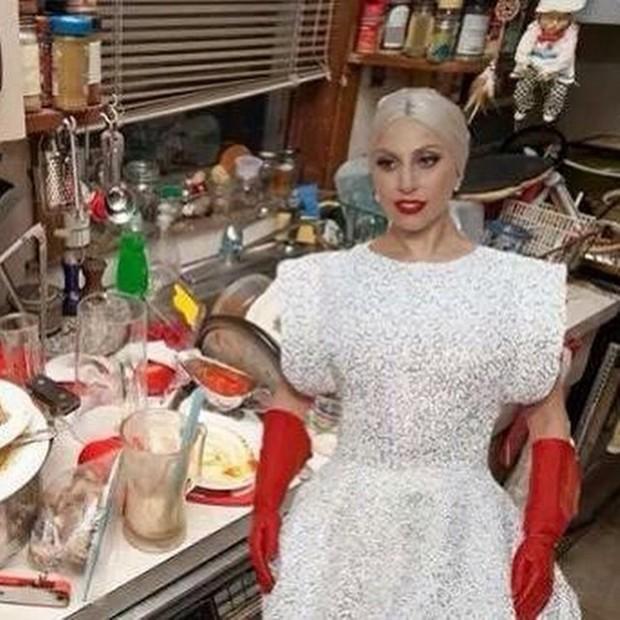 Lady Gaga królową oscarowych memów