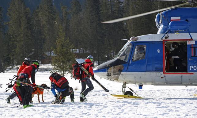 Ratownicy znaleźli dwa ciała w lawinisku w rejonie Siklawy