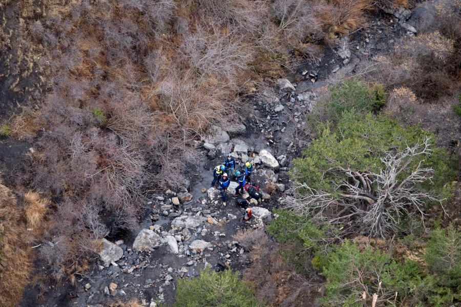 Ratownicy na miejscu katastrofy A320