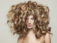 Jedno cięcie - wiele możliwości: wygodne i modne fryzury na wiosnę 2015