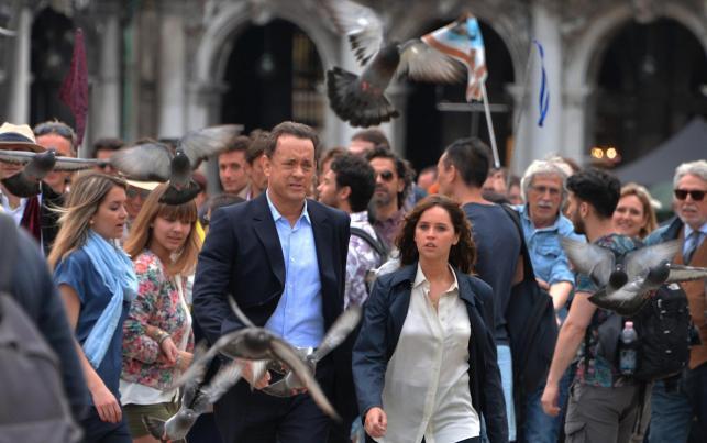 "Tom Hanks i Felicity Jones na planie kontynuacji ""Kodu Da Vinci"""