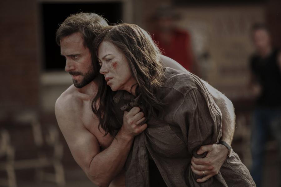 Nicole Kidman i Joseph Fiennes w filmie \