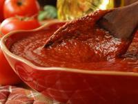 Pomidory gotowane, papryka na surowo. Jak wykorzystać moc warzyw?