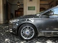 Gwiazda Mercedesa blednie? Nowy ford mondeo vignale w produkcji. ZDJĘCIA