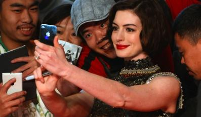 "Anne Hathaway zagra i wyprodukuje ""The Lifeboat"""