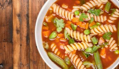 Lekka zupa z makaronem