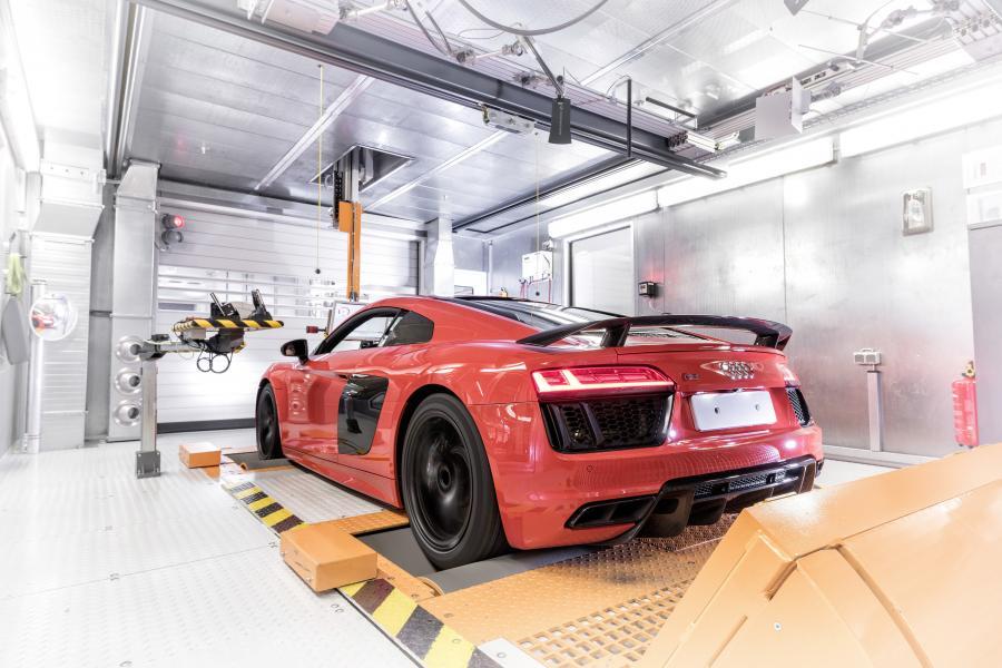 Audi R8 - niemiecki producent jest liderem w stosowaniu aluminium do budowy aut