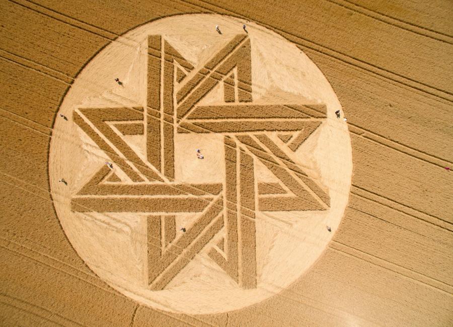 Tajemniczy krąg w polu zboża w gminie Alling w Bawarii