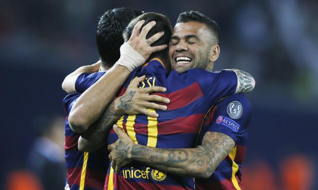 Dziewięć goli w meczu o Superpuchar Europy. Trofeum dla Barcelony. ZDJĘCIA