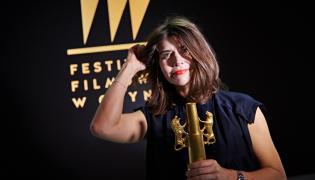 """Reżyser i producent filmu """"Body/Ciało"""" Małgorzata Szumowska ze Złotymi Lwami za najlepszy film festiwalu"""