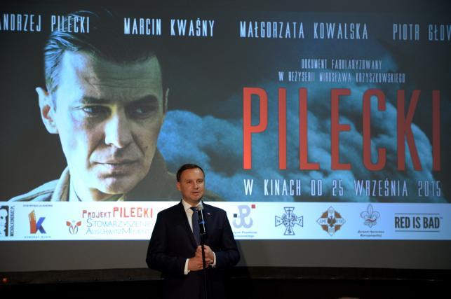 """""""Pilecki"""" w Muzeum Powstania Warszawskiego. Prezydent Duda na uroczystej premierze"""