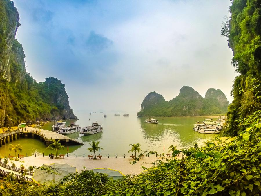 Zatoka Ha Long, Wietnam