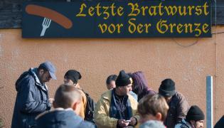 Uchodźcy na granicy niemiecko-austriackiej