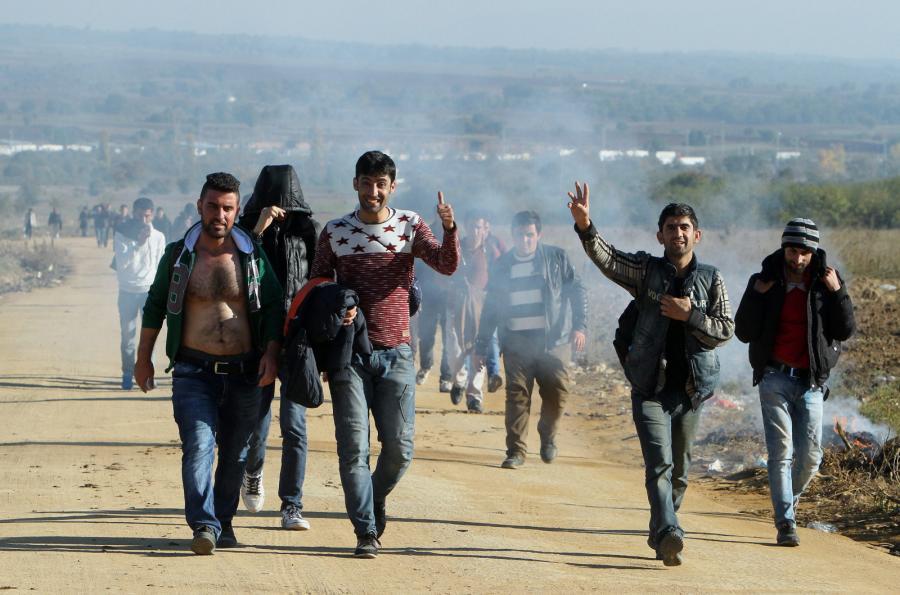 Imigranci na granicy Serbii i Macedonii