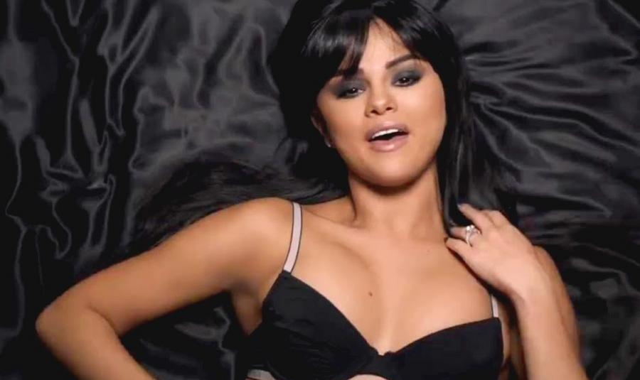 "Selena Gomez zapowiada klip do piosenki ""Hands To Myself"""