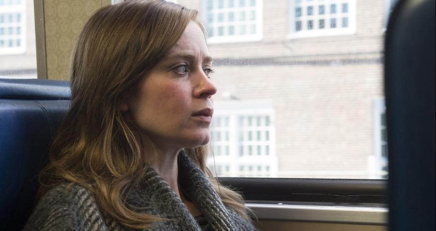 Emily Blunt dziewczyną z pociągu