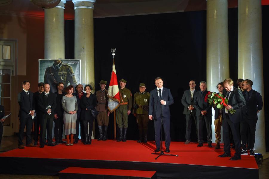 """Prezydent Andrzej Duda podczas premiery filmu Jerzego Zalewskiego """"Historia Roja"""""""