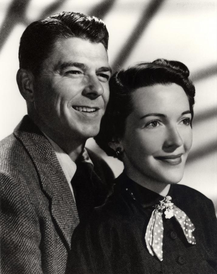 Nancy Reagan i jej mąż Ronald, jeszcze jako aktorzy