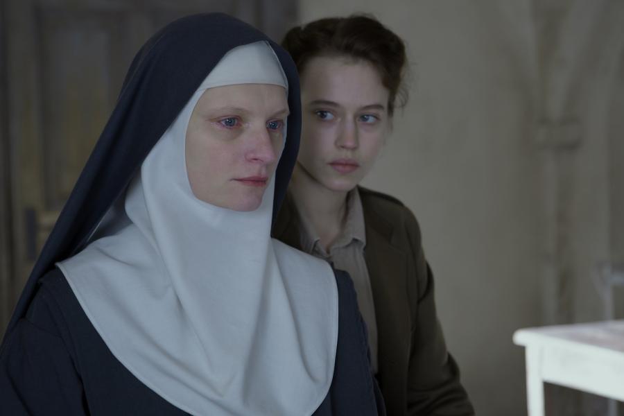 """Agata Buzek: """"Niewinne"""" to film o wartościach nieustannie ważnych"""