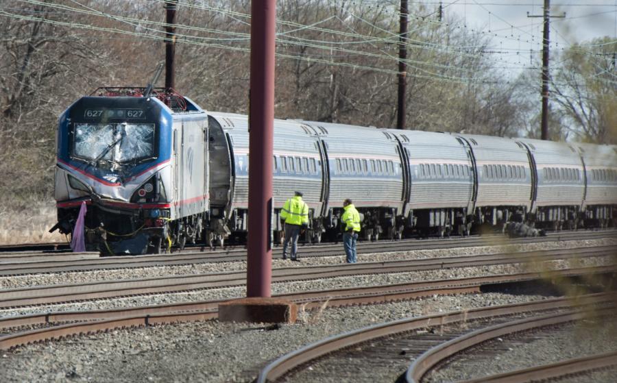 Zderzenie pociągu z koparką