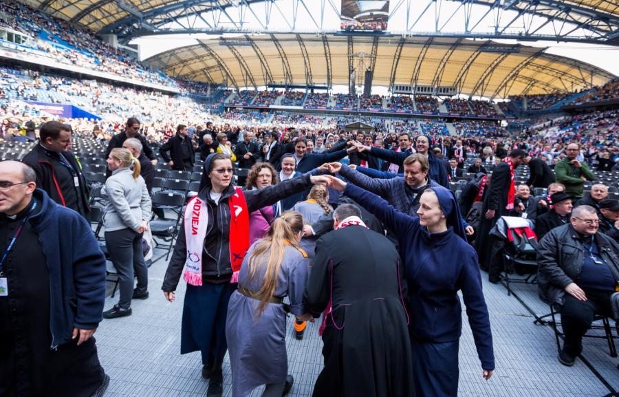Spotkanie ewangelizacyjne na stadionie