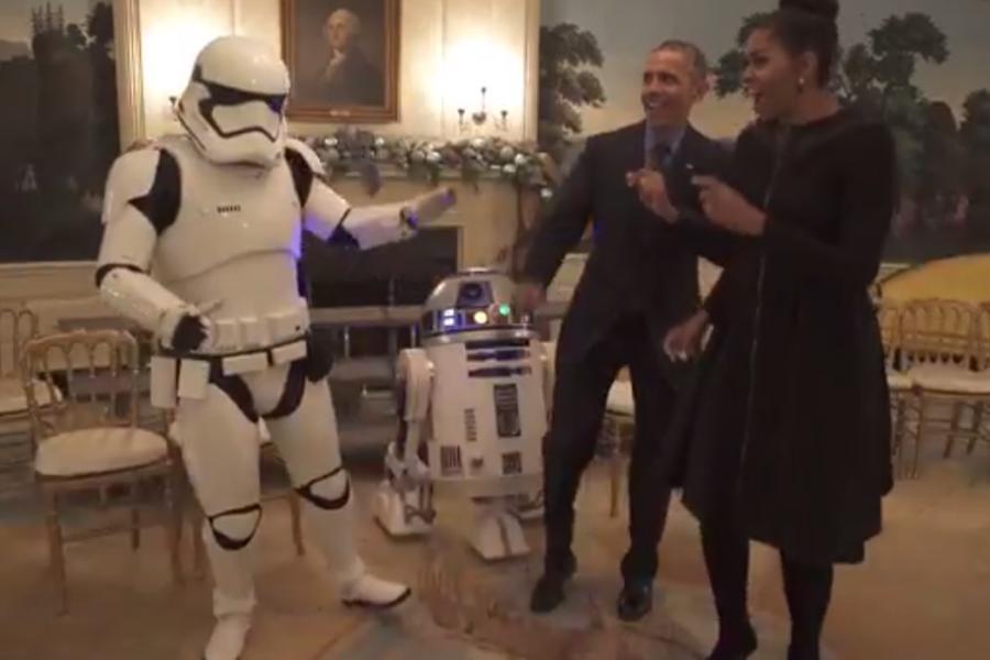 Michelle i Barack Obama tańczą z bohaterami \