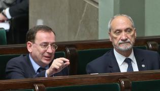 Mariusz Kamiński i Antoni Macierewicz w ławach rządowych w Sejmie