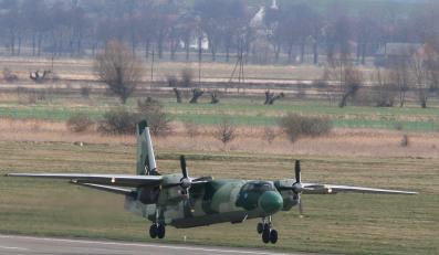 Wojsko żegna samolot Antek
