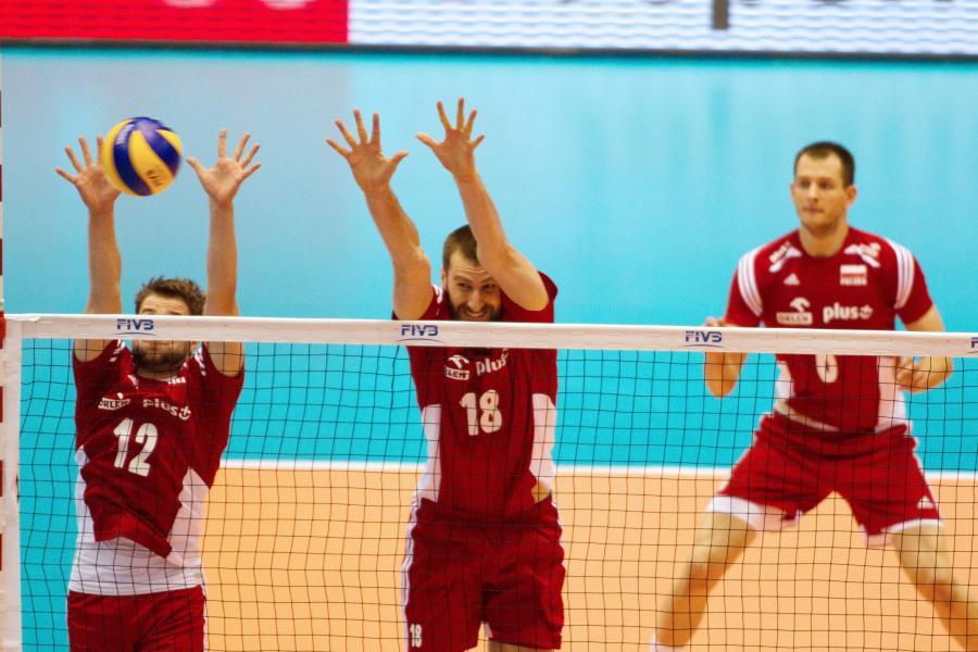 Grzegorz Łomacz (L), Marcin Możdżonek (C) i Bartosz Kurek (P)